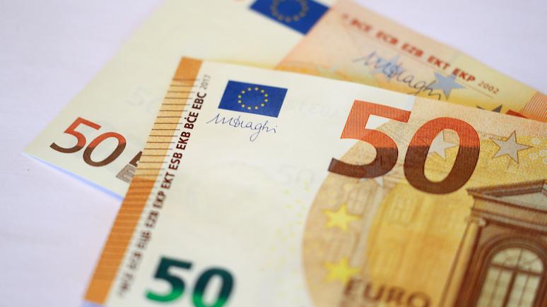 BFM TV: Россия снижает зависимость от доллара, но полностью переходить на евро не спешит