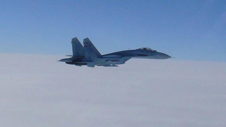 CNN: ВМС США сообщили об опасном перехвате своего разведывательного самолёта российским Су-27