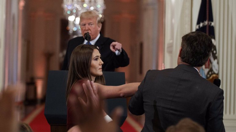 WP: корреспондента CNN лишили аккредитации в Белом доме после пикировки с Трампом — ИноТВ