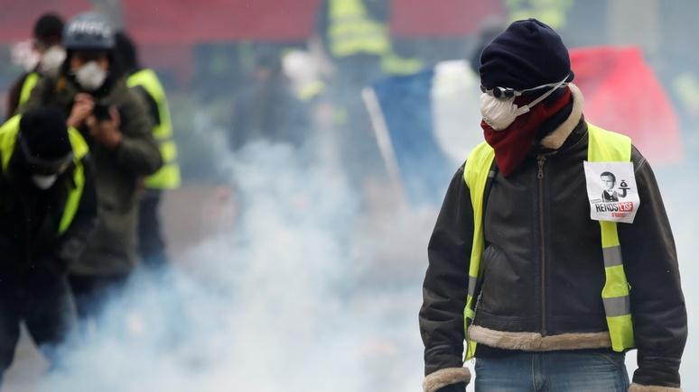 Telegraph: уступки Макрона притушили поддержку «жёлтых жилетов»