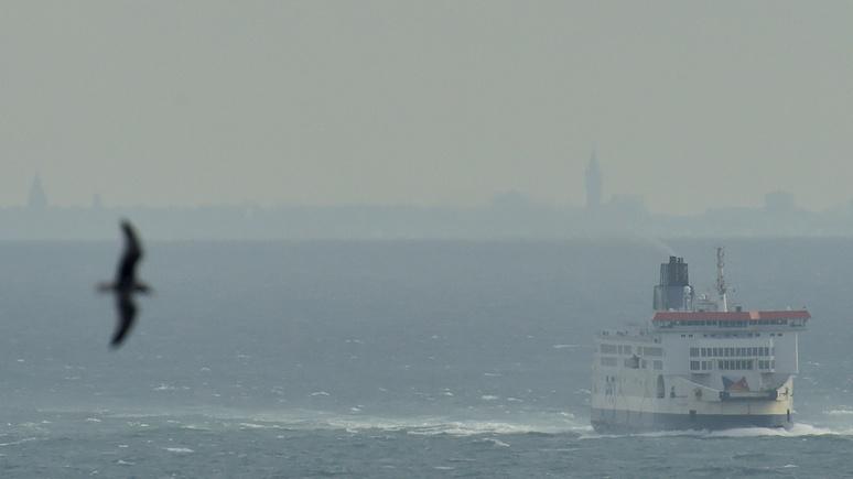 Times: в борьбе с мигрантами британскому МВД поможет Королевский флот