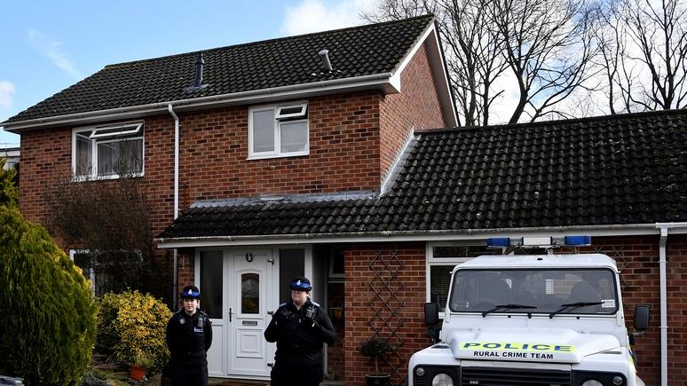 Sky News: британские военные снесут крышу в доме Скрипаля в Солсбери — ИноТВ