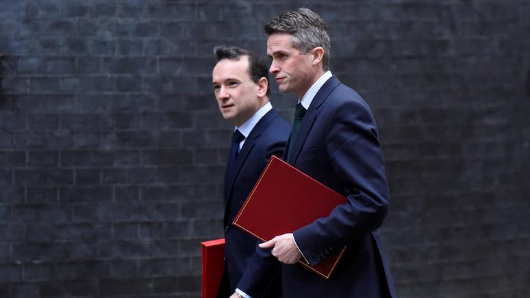 Daily Mail: британский министр обороны выступит с грозной речью в адрес России  — ИноТВ