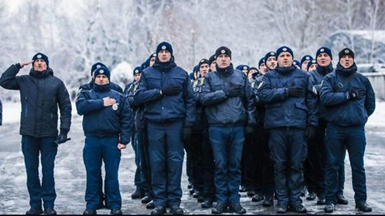 Украинские полицейские назвали предательством «бандеровский» флешмоб МВД