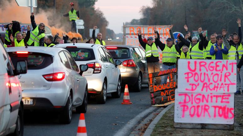 Обозреватель Le Figaro: при Макроне Франция «ходит по кругу», и это грозит ей революцией