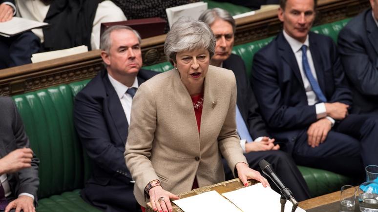 Guardian: британский парламент отказался от вотума недоверия Мэй