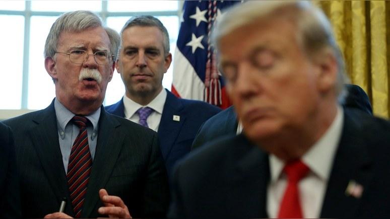 Times: Трампа утомляет стремление Болтона «втянуть США в войну»
