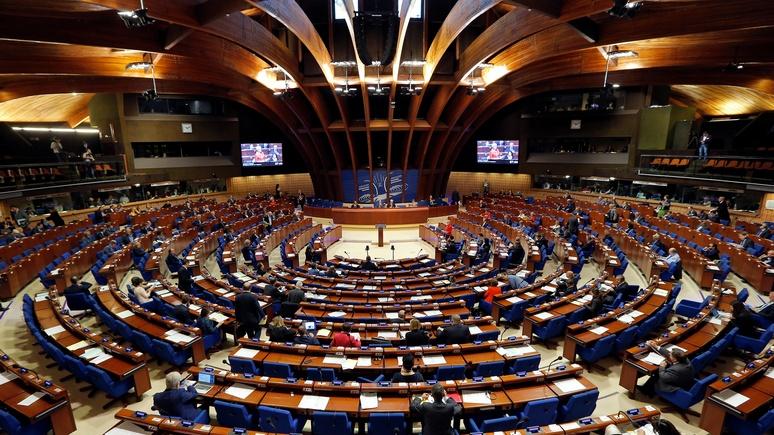 Europe 1: Меркель и Макрон заверили Путина, что место России в Совете Европы остаётся за ней