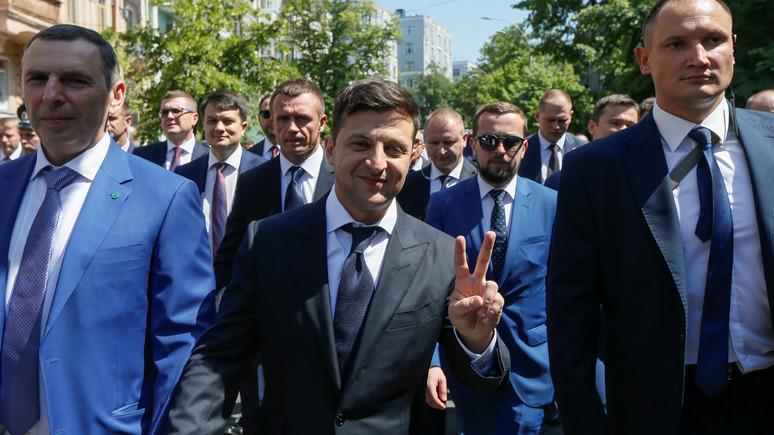 112: петиция за отставку Зеленского стремительно набирает количество подписей — ИноТВ