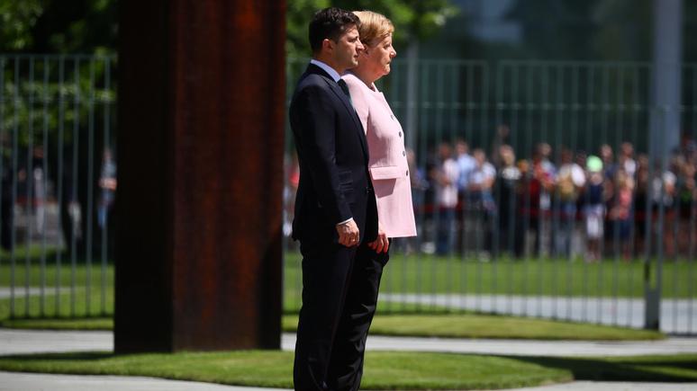 Bild: приступ Меркель на встрече с Зеленским для неё нехарактерен — канцлер славится своей выносливостью