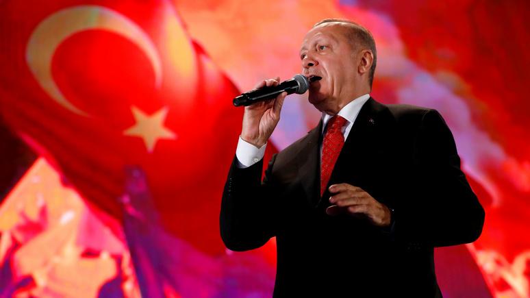 Обозреватель Daily Telegraph: «Эрдоган зашёл слишком далеко — его пора выкинуть из НАТО»