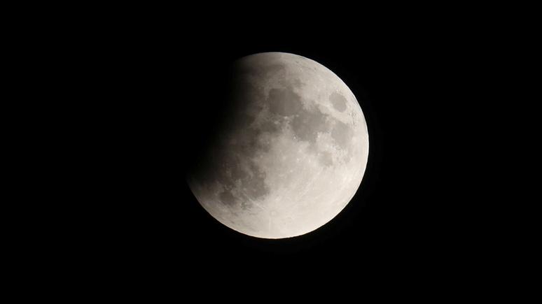 Bloomberg: Китай планирует высадить своих космонавтов на Луну к 2030 году